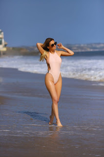 Ana-Braga-was-spotted-in-a-tiny-one-piece-swimsuit-at-the-beach-in-Malibu.-07didpia1o.jpg