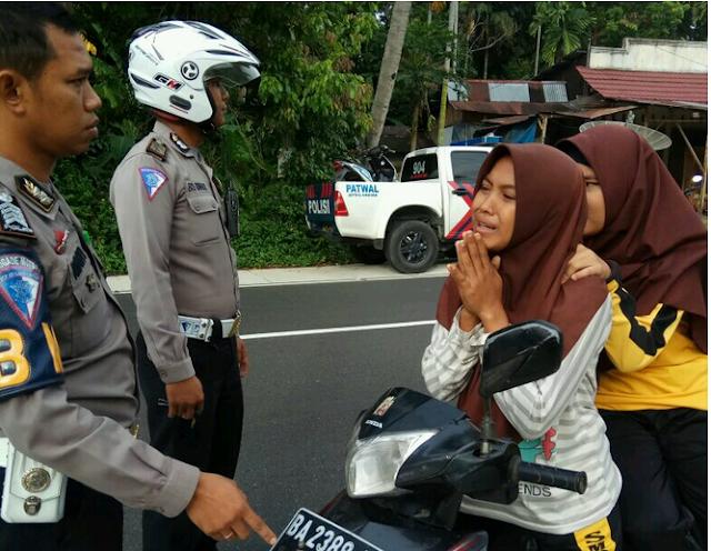 Alasan Orang tidak Memakai Helm, Emang Kenapa kalau Naik Motor tidak Pakai Helm?