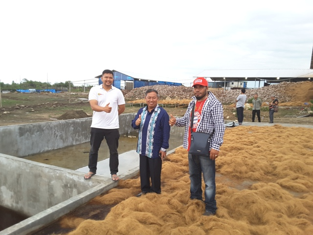 Plt. Bupati Bener Meriah Hasanuddin Darjo Kunjungi Pabrik Berbahan Baku Kelapa Di Cot Batee Geulungku
