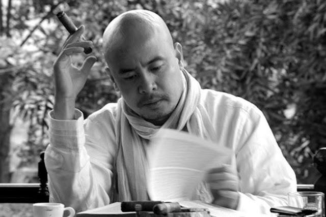 Cuộc sống của ông Đặng Lê Nguyên Vũ trong hang đá bí ẩn