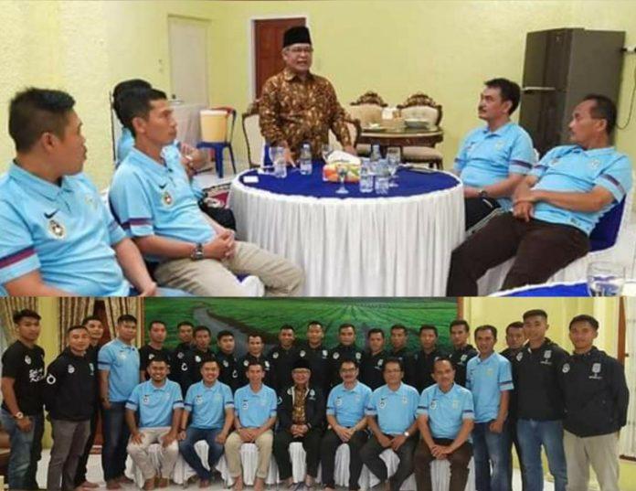 Wabup Ami Taher Lepas Keberangkatan Tim PS Kerinci Mengikuti Gubernur Cup