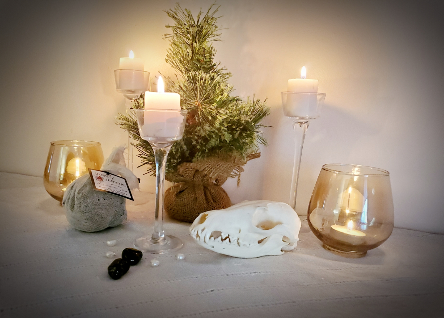 yule, winter solstice, altar, witch, witch altar, pagan