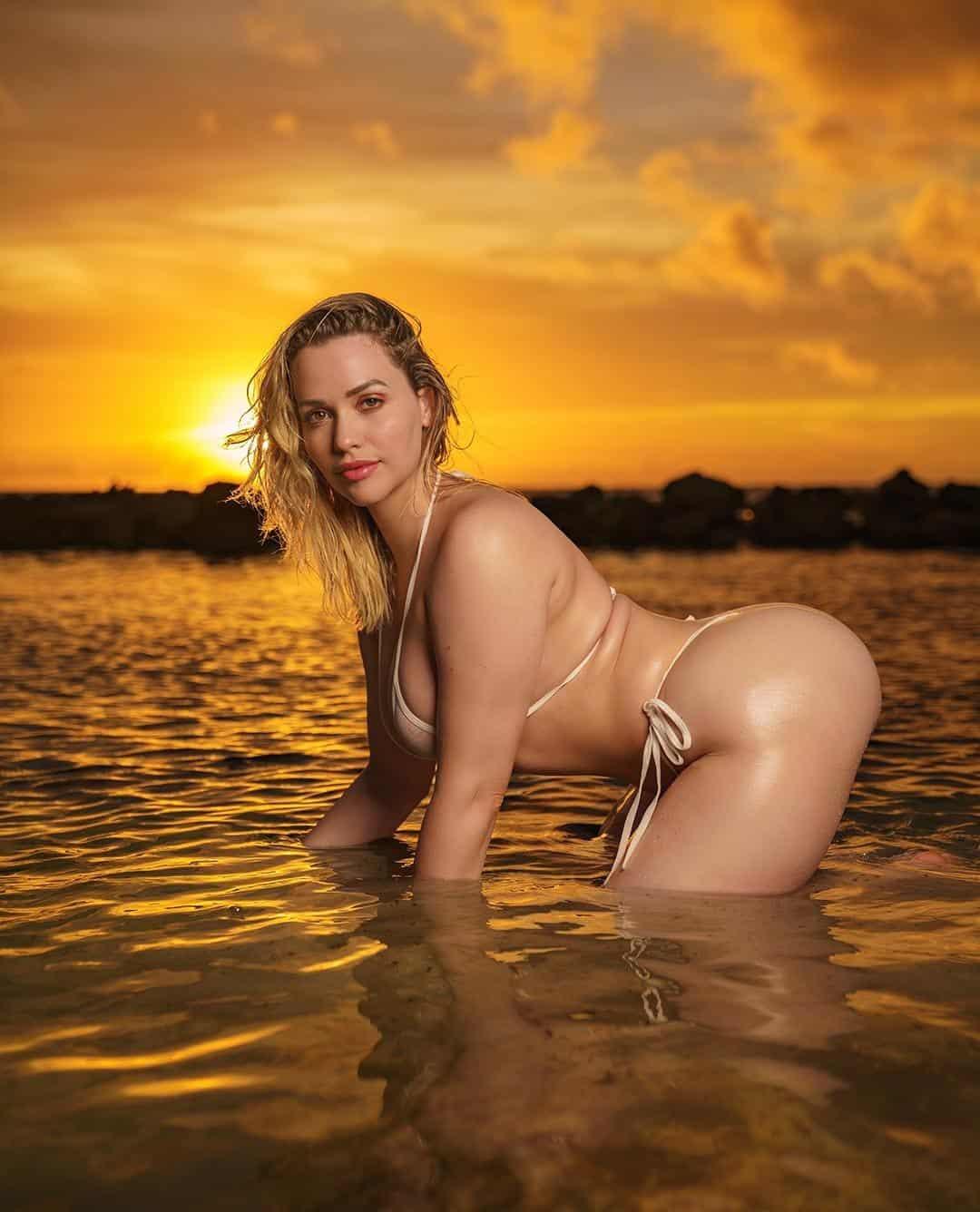 Mia Malkova Sexy Bikini, Lingerie, Bra Pictures