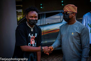 The Oyo State Commissioner for Youth and Sports, Honourable Seun Fakorede hosted a fast rising hip hop artist, Aderinoye Taiwo Hassan, in Ibadan on Thursday