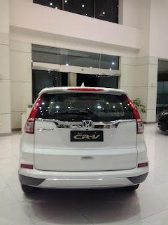 Honda CRV Warna Putih Di Dealer Mobil Honda Bangka Belitung