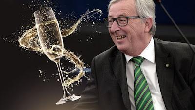 Juncker-trinkt-bei-Interview-4-Glaeser-Champagner-Kein-Alkoholproblem-story-529825_630x356px_594be316e03527cb18fc4b21e94f8af5__juncker-champagner_1-s1260_jpg.jpg