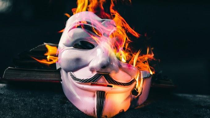 Máscara Anonimo em Chamas