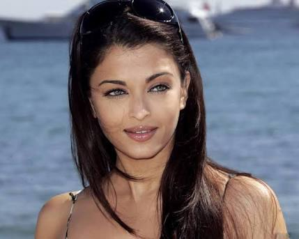{*Pictures *} Great collection of Aishwarya rai bachchan beautiful pic, HD wallpaper ,Hot images