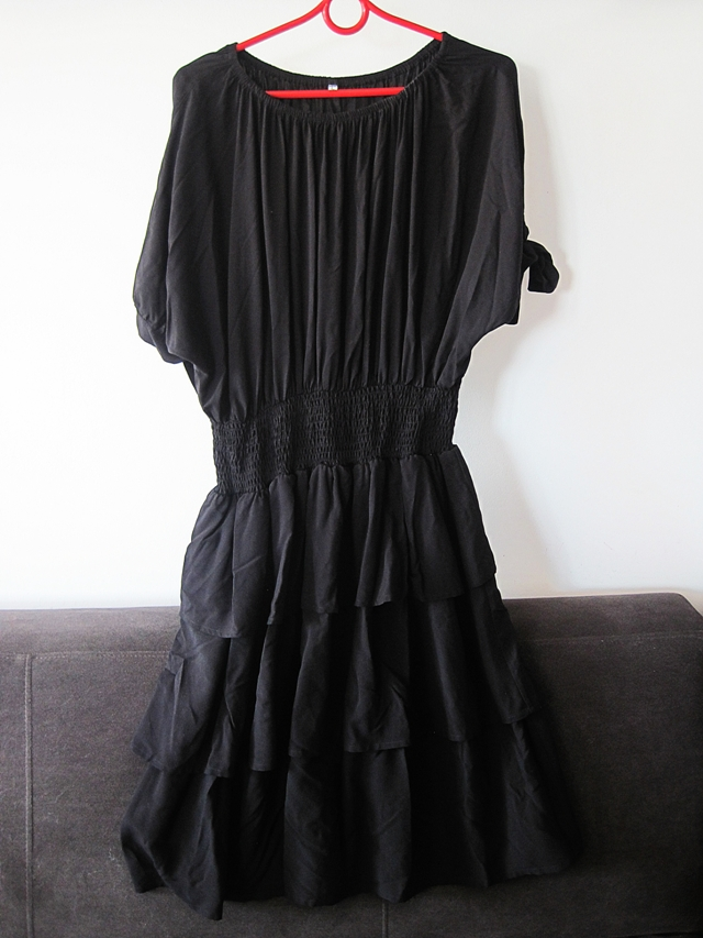 http://www.shein.com/Black-Wide-Neck-Layer-Ruffle-Dress-p-259330-cat-1727.html?utm_source=marcelka-fashion.blogspot.com&utm_medium=blogger&url_from=marcelka-fashion