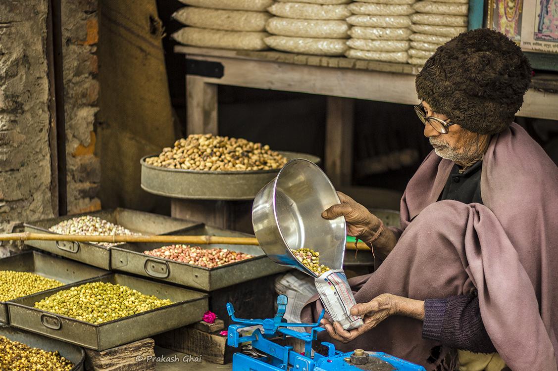 A street photo of a trader in Pushkar Ajmer - Rajasthan