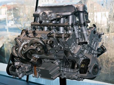 Sezione del motore V10 della Porsche Carrera GT