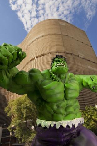 Especial: Fotografa flagra super-herois pela cidade 14
