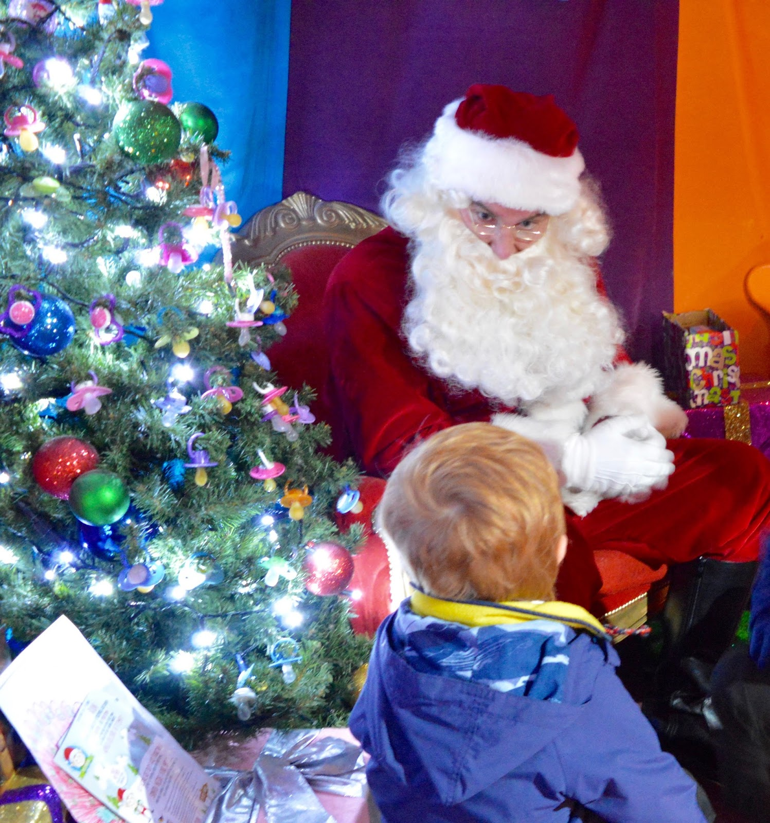 Visiting the FREE Santa's Grotto at intu Metrocentre | All You Need to Know including queue times, when's best to visit, your Playmobil Gift and photographs of Santa Claus - Santa and dummy tree