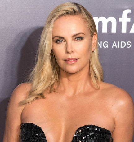 Charlize Theron Hot Cleavage and Navel Show Photos Collection [18+] Actress Trend