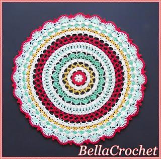 http://bellacrochet.blogspot.com.es/2016/12/sweet-memories-mandala-doily-free.html