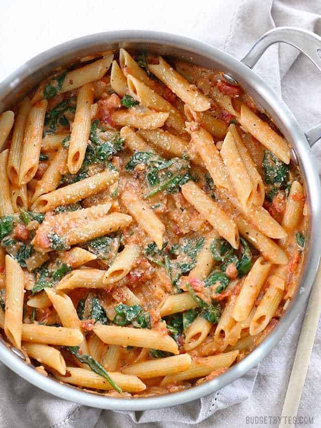 CREAMY TOMATO AND SPINACH PASTA #spaghetti #pasta #noodle #dinner #easy