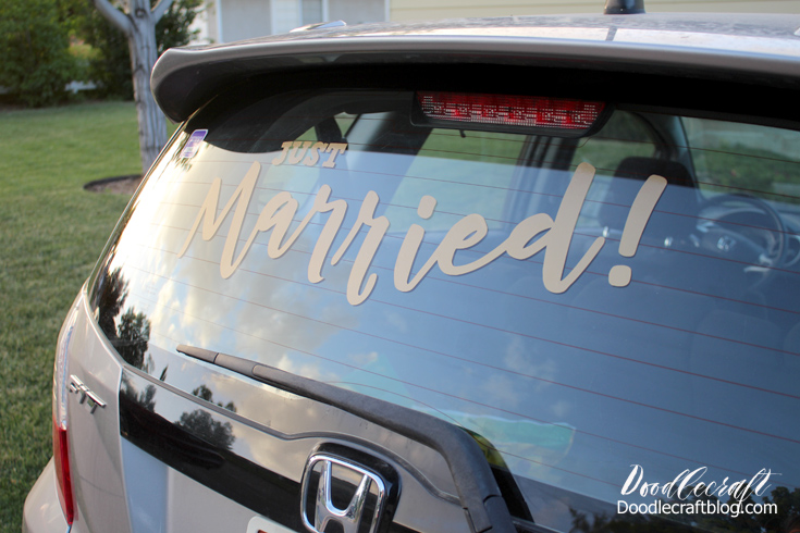 Doodlecraft Cricut Explore Air Just Married Cling Vinyl - How to make window decals with cricut