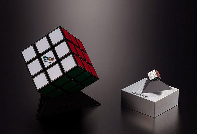 Wow! Jepang Membuat Kubus Rubik Terkecil di Dunia