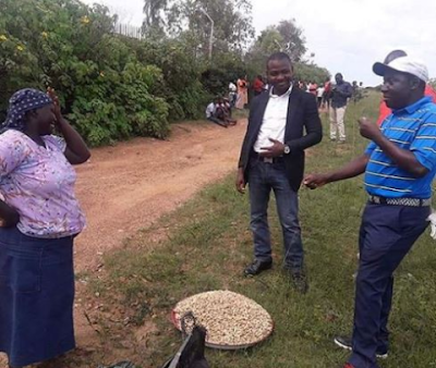 plateau state governor simon lalung eating groundnut on the streets