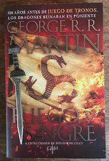 Portada del libro Fuego y Sangre, de George R. R. Martin