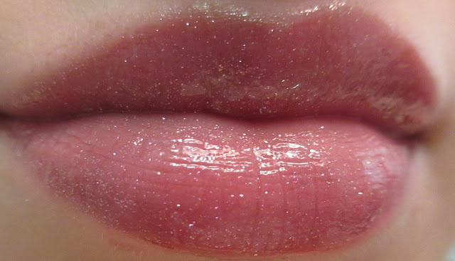 Borghese Eclissare ColorGlass Omen Lip Swatch