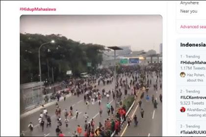 Dicuitkan Lebih Dari Sejuta Kali, Tagar #HidupMahasiswa Menggilas Tagar 'Dukung Jokowi'