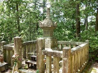 吉野山:村上義光の墓