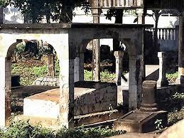 Batu akik asal bangka memang lagi di gandrungi. Namun, hal yang tak wajar hingga makam kerkhof pangkalpinang jadi sasaran...