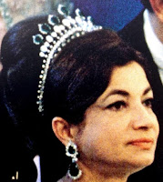 emerald diamond necklace tiara iran princess ashraf pahlavi