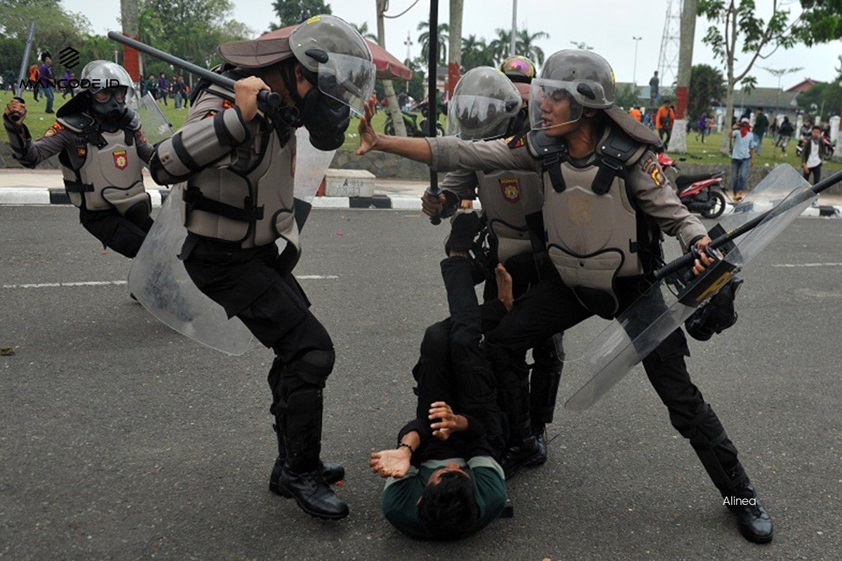 Kekerasan Polisi di Aksi Peringatan 'Hari Oligarki' dan G30S TWK di Jateng, Tujuh Orang Massa Alami Luka Cukup Parah