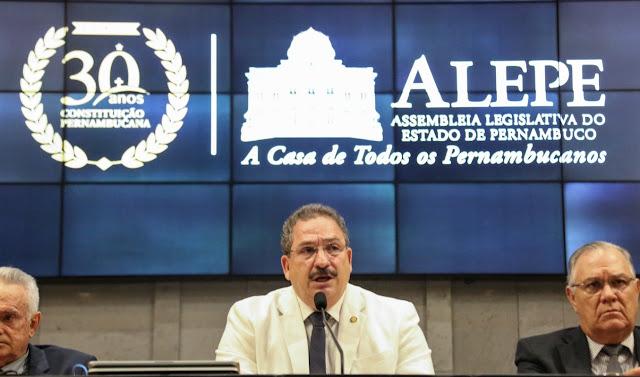 Alepe promove seminário gratuito sobre os 30 anos da Constituição de Pernambuco