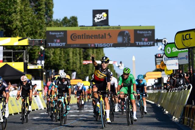 Wout van Aert venceu etapas do sprint, contrarrelógio e montanha no Tour de France