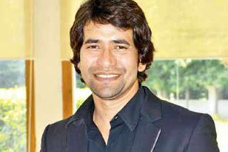Dinesh Lal Yadav 'Nirahua' Bhojpuri film famous singer, actor, television presenter and politician