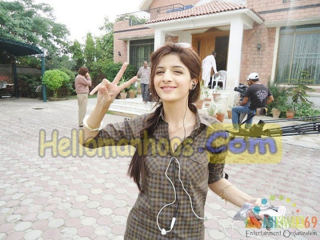 Mawra Hocane Wiki, Age, Family, Husband, Boyfriend, Wedding, Biography