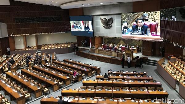 Berapa Gaji Anggota DPR yang Sahkan Omnibus Law UU Cipta Kerja?