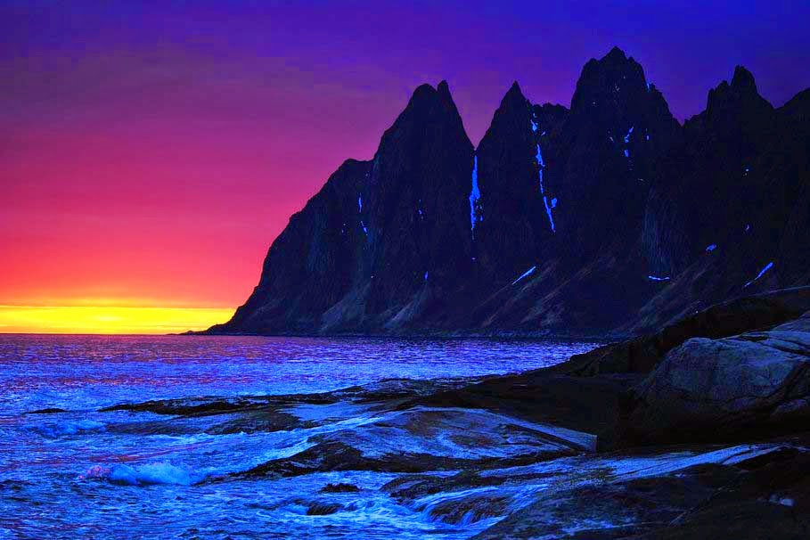 sunset-night-mountains-sea-rocks-waves
