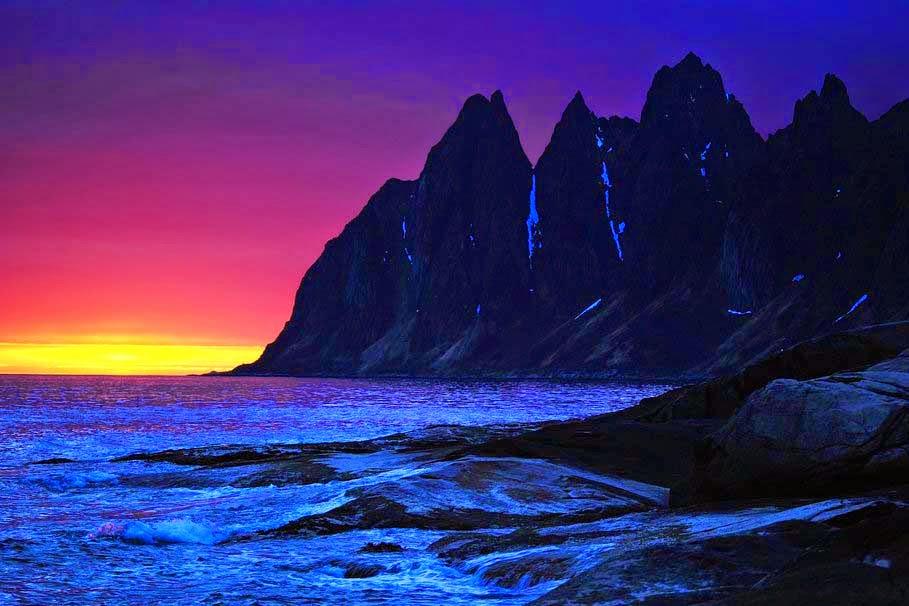 sunset-night-mountains-sea-rocks-waves