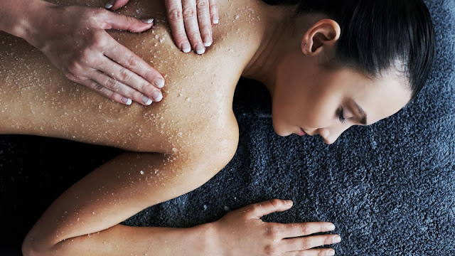 Cara Menggunakan Body Scrub agar Kulit Tidak Kering