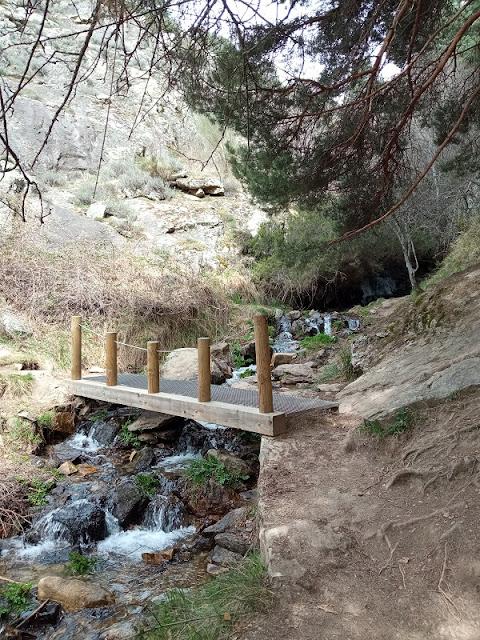 Puente en la Senda de la Chorrera de San Mames