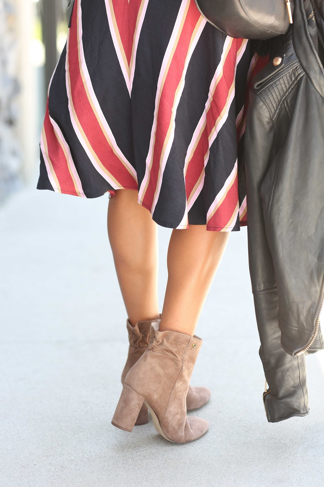 how to wear tie waist dress, booties and leather jacket for fall