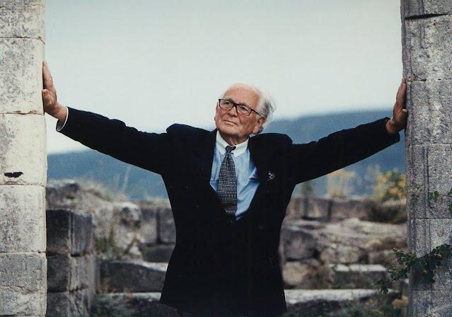 Falleció el diseñador de alta costura Pierre Cardin, a los 98 años de edad. Twitter