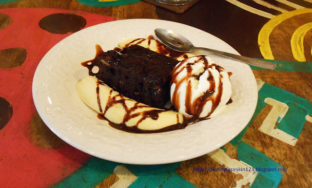 banana chocolate brownie.FIRST&ONLY CALANTHE ART CAFE MALAYSIA 13 STATES COFFEE