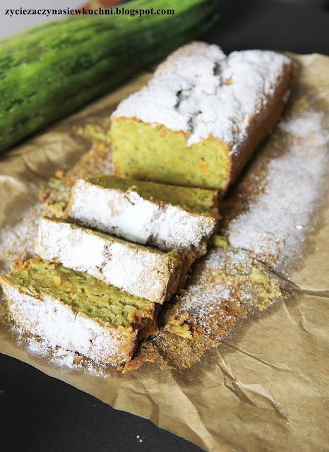Cytrynowe ciasto z cukinii i młodego jęczmienia