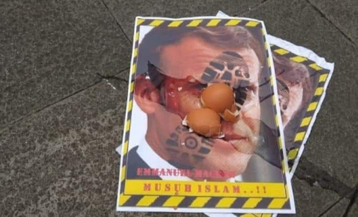 Macron: Prancis Tidak Akan Merubah Haknya untuk Kebebasan Berekspresi