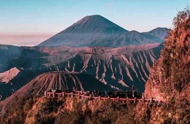 Bukit Kingkong, Spot Terbaik Melihat Sunrise di Bromo