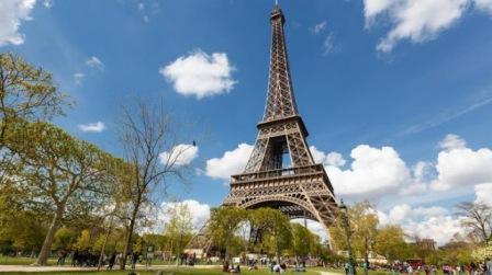 Tourist Places in Paris Famous