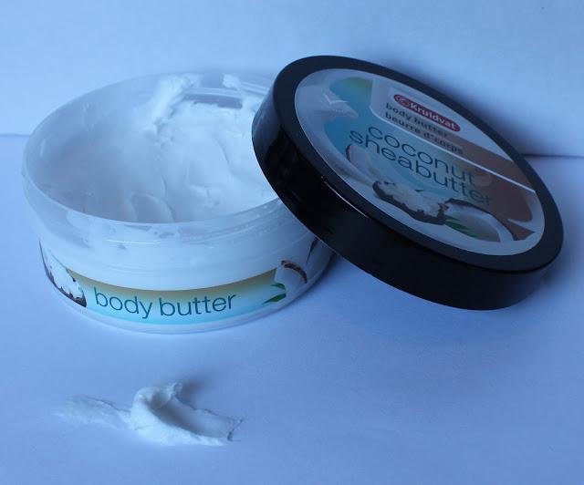 Kruidvat Body Butter Coconut Shea Butter open met swatch