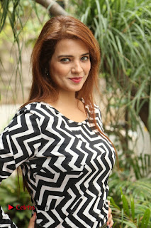 Actress Saloni Latest Pos in Short Dress  0010.JPG