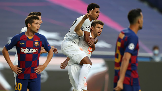 Barcelona and Bayern Munich players during a champions league match