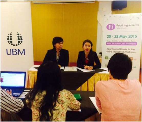 Bà Rungphech Rose Chitanuwat - GĐ kinh doanh UBM Thái Lan,chia sẻ một số thông tin tại họp báo  - pr 2 d1df7 - Triển lãm chuyên ngành Nguyên Liệu, Phụ gia, Hoá chất thực phẩm 2015